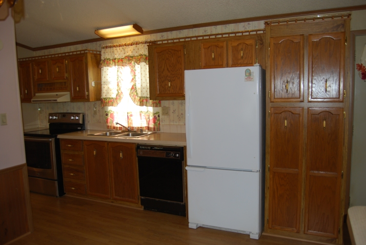 802 Leswood-Kitchen(1)